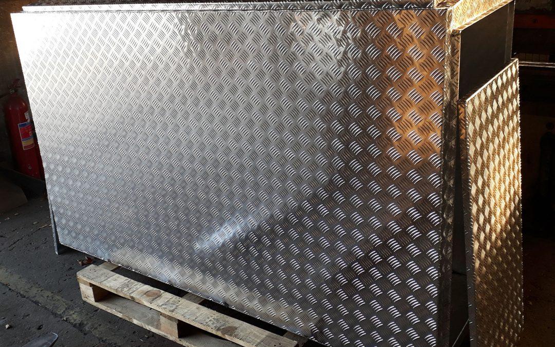 Skrzynia z aluminium na wymiar
